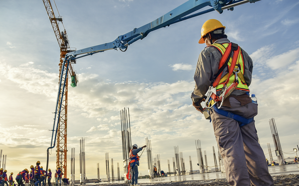 Ngành xây dựng năm 2021: Qua cơn bĩ cực, tới hồi thái lai?