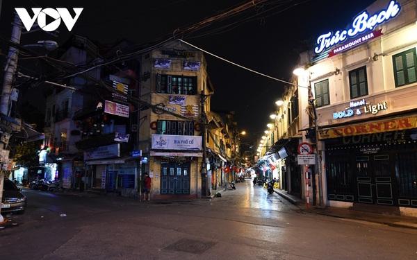 (Ảnh) Phố phường Hà Nội giờ tan tầm những ngày chống dịch Covid-19 không còn cảnh ùn tắc