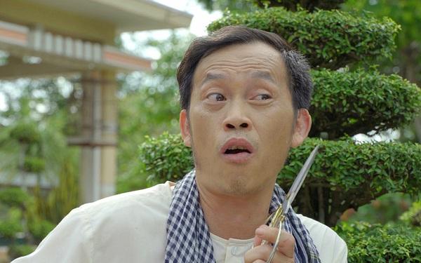 """Tự nhận """"mù công nghệ, chậm chạp"""", Hoài Linh đạt nửa triệu """"súp"""" sau 2 tuần chơi YouTube, thu về toàn clip triệu view trên Tiktok sau 1 tuần"""