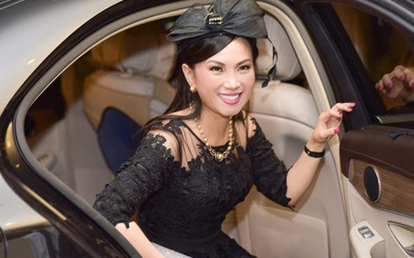 """Lấy chồng tỷ phú từng khiến Donald Trump """"sôi máu"""", trở thành """"người Việt giàu nhất thế giới"""", cuộc sống của Hà Phương - em gái Cẩm Ly, bây giờ ra sao?"""