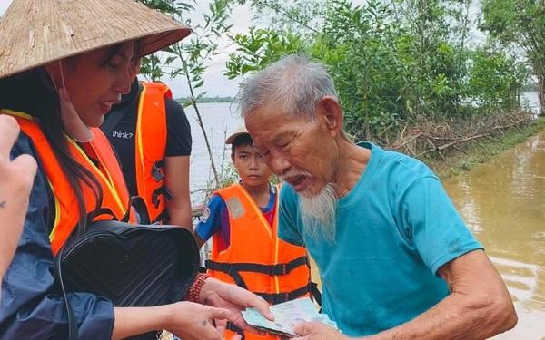 """Hứa là làm, Thuỷ Tiên """"khoe"""" đang xây 10 nhà cộng đồng tránh lũ cho người dân miền Trung"""