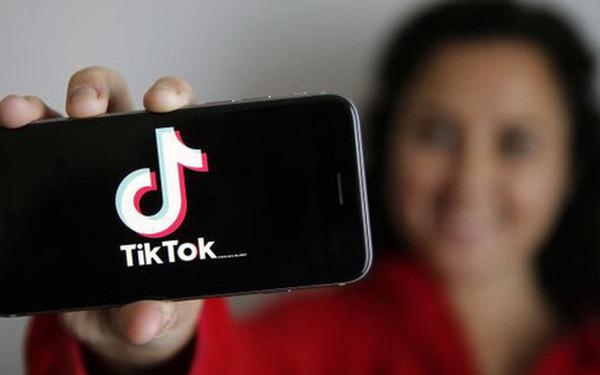 Cô gái tình cờ hóa giải được nỗi đau canh cánh hàng chục năm của cả đại gia đình nhờ... lướt clip TikTok