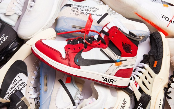 Lật tẩy mánh khóe kiếm hàng trăm nghìn USD của giới buôn giày chợ đen khiến những đôi như Air Jordan hay Yeezy có mức giá 'trên trời', hết bay chỉ sau vài giờ lên kệ