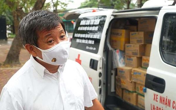 Mở QUỸ ĐỒNG BÀO, ông Đoàn Ngọc Hải sẵn sàng nhận quảng cáo trên thân xe cứu thương, làm bồi bàn, xách cặp và lái xe cho giám đốc doanh nghiệp... để kiếm nhiều tiền cho quỹ