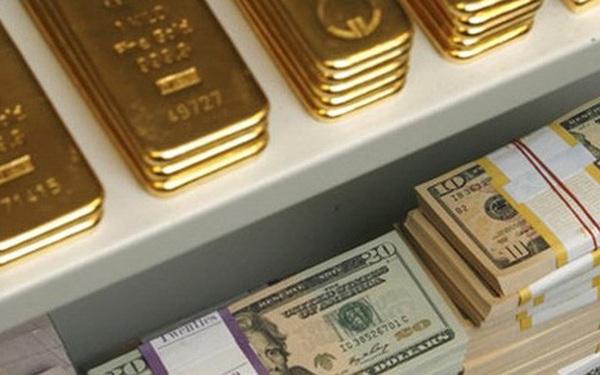 """Giá vàng thế giới lại giảm """"sốc"""", rơi xuống thấp nhất 9 tháng"""