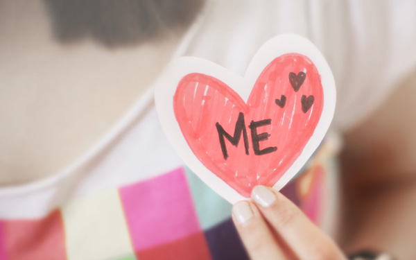 Học cách yêu bản thân từ những điều giản đơn và tập mở lòng hơn vì bạn là người xứng đáng