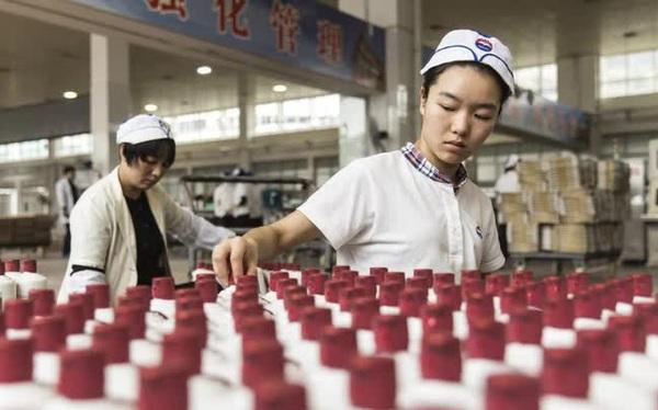 Từng lớn hơn cả Coca Cola, vốn hóa hãng quốc tửu Trung Quốc bỗng bốc hơi 111 tỷ USD