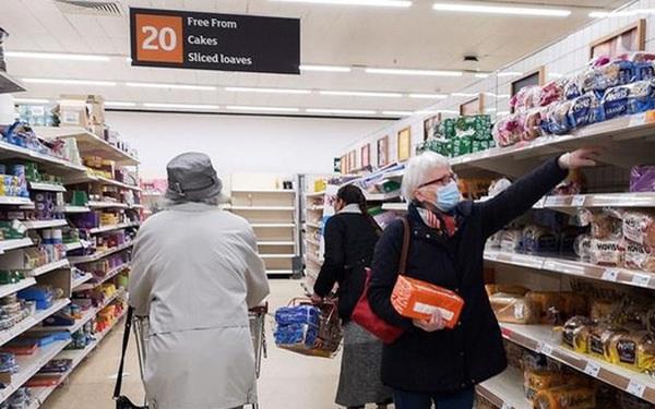 """Người dân Anh đi """"mua sắm phục thù"""" sau phong tỏa"""