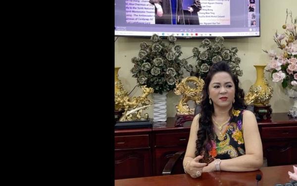 """Trang Khàn đã nói về bà Phương Hằng - vợ ông Dũng """"lò vôi"""" như thế nào mà bà livestream đối lại """"vẫn là con bán đồ online""""?"""