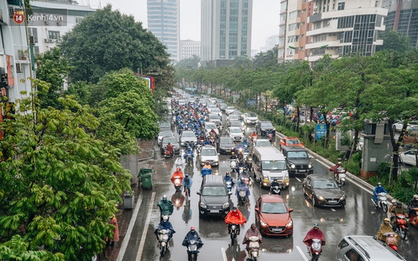 Cuối tuần Hà Nội mưa lạnh; cảnh báo lốc, sét, mưa đá, gió giật mạnh ở Bắc Bộ, Bắc Trung Bộ