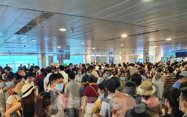 Kẹt cứng ở sân bay Tân Sơn Nhất, Tổng công ty Cảng hàng không Việt Nam nói gì?