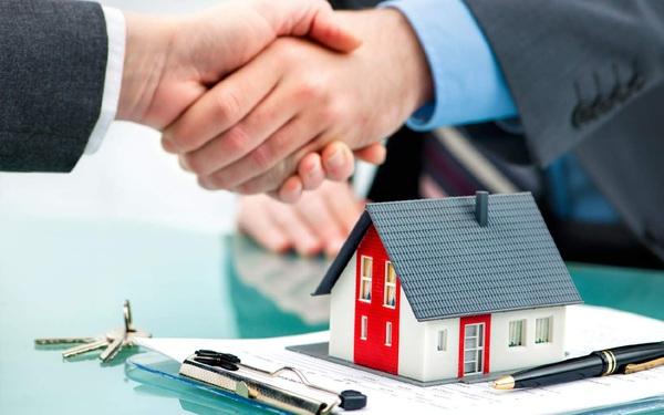 Gia đình có khoảng 500 triệu đồng muốn mua chung cư xấp xỉ 2 tỷ, nên vay trả góp như thế nào sẽ hợp lý?