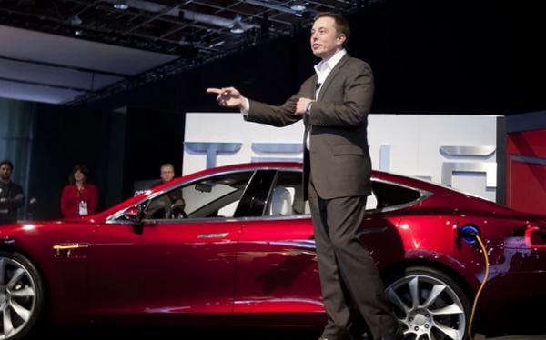 Elon Musk kêu oan cho hệ thống lái tự động của Tesla trong vụ tai nạn thảm khốc làm 2 người chết cháy