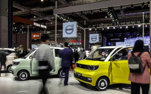 """Các hãng công nghệ Trung Quốc """"châm ngòi"""" cuộc chiến xe điện"""
