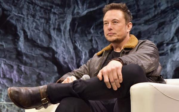 Bị tag hẳn tên vào bài đăng tố 'làm giá' Bitcoin, âm thầm mua đáy, bán đỉnh, thao túng thị trường, Elon Musk đáp trả 1 câu  hút gần 100.000 lượt thích