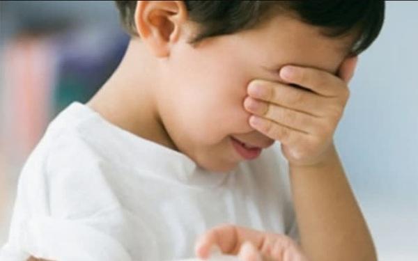 Tình trạng trẻ dậy thì sớm tăng gấp 35 lần so với 10 năm trước: Cảnh báo dấu hiệu dậy thì sớm ở bé trai mà bố mẹ Việt dễ bỏ qua