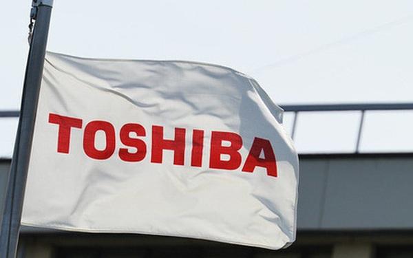 """Toshiba cân nhắc chấp nhận """"bán mình"""" với giá 20 tỷ USD"""
