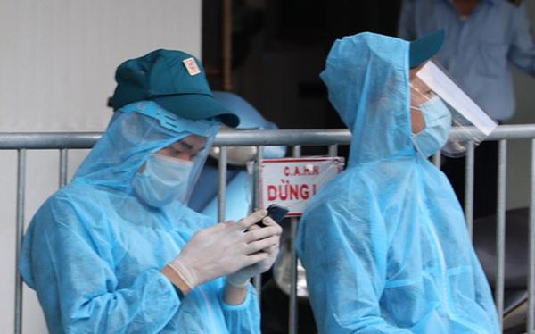 Nam bác sĩ Bệnh viện Phổi Trung ương đi cùng chuyến bay với vợ chồng Giám đốc Hacinco