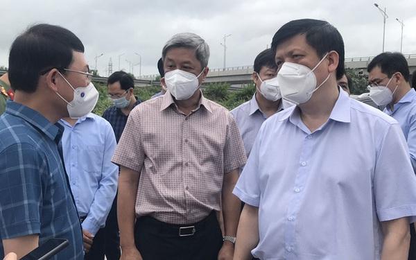 """Bộ trưởng Bộ Y tế kiểm tra """"điểm nóng"""" COVID-19 tại khu công nghiệp Quang Châu - Bắc Giang"""