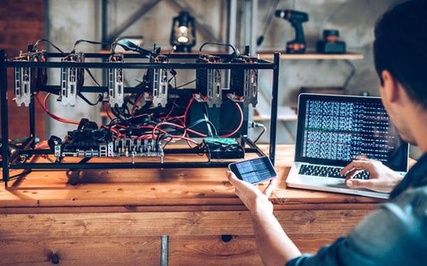 Tuyên bố mới của cộng đồng khai thác bitcoin: 'Chúng tôi dùng ít năng lượng hơn ngành ngân hàng truyền thống'