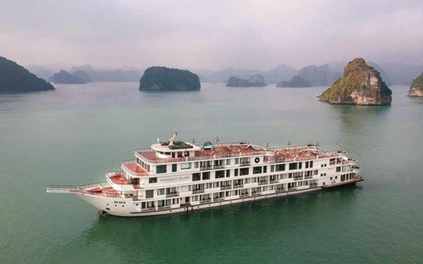 Quảng Ninh cách ly du thuyền 5 sao cùng 182 người trên vịnh Hạ Long