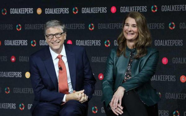 Gần 30 năm trước, Bill Gates từng rạch ròi đến mức khó tin: Viết lên bảng lợi và hại của việc kết hôn trước khi cầu hôn Melinda