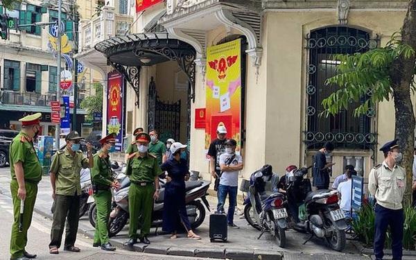 """Hà Nội xử lý """"thẳng tay"""", người dân bị phạt hơn 300 triệu vì không đeo khẩu trang"""