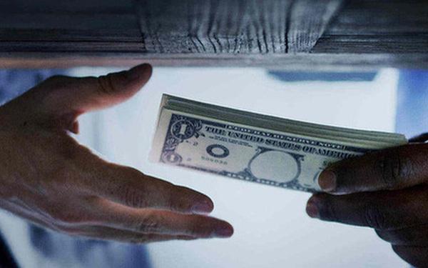 Vỡ mộng làm giàu từ forex, tiền ảo