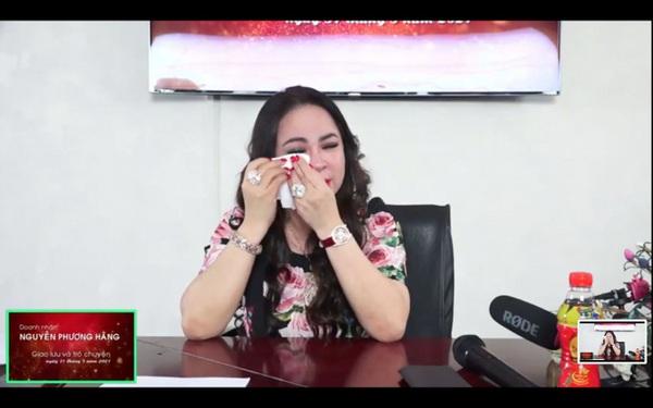 Bà Nguyễn Phương Hằng bị bà chủ Công ty thực phẩm Bình Tây khởi kiện, đòi bồi thường 1.000 tỷ đồng vì livestream xúc phạm danh dự