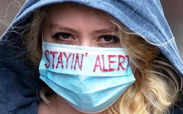 """Anh có hơn 10.000 ca mắc Covid-19 trong 3 ngày liên tiếp, virus Delta làm """"phá sản"""" kế hoạch mở cửa"""