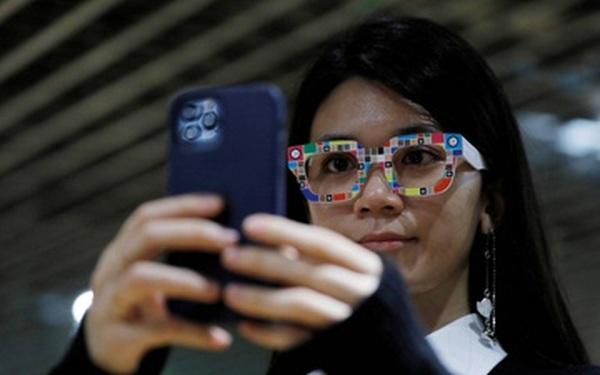 Thành công trong mùa dịch nhờ kết hợp thời trang với công nghệ