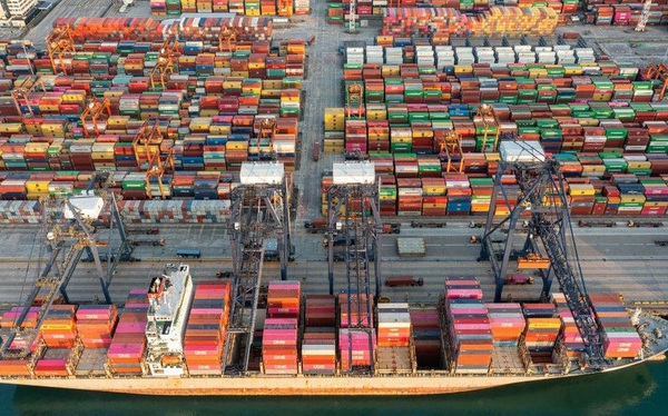 'Mây đen' lại bao phủ ngành vận tải biển, chuỗi cung ứng toàn cầu khó chồng khó