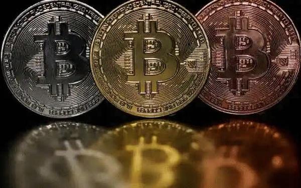 Vốn hóa thị trường tiền ảo bốc hơi gần 300 tỷ USD