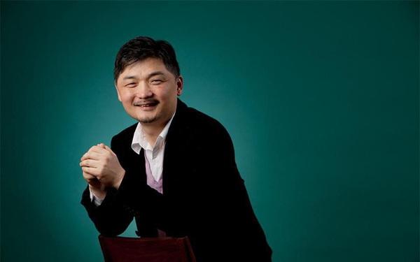 Từ hai bàn tay trắng, nhà sáng lập Kakao trở thành người giàu nhất Hàn Quốc
