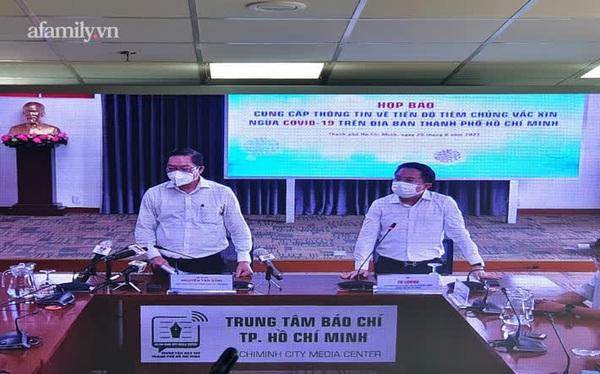 Hơn 400.000 người đã được tiêm vắc xin trong 4 ngày, TP.HCM nói gì về việc tập trung đông người tại nhà thi đấu Phú Thọ?