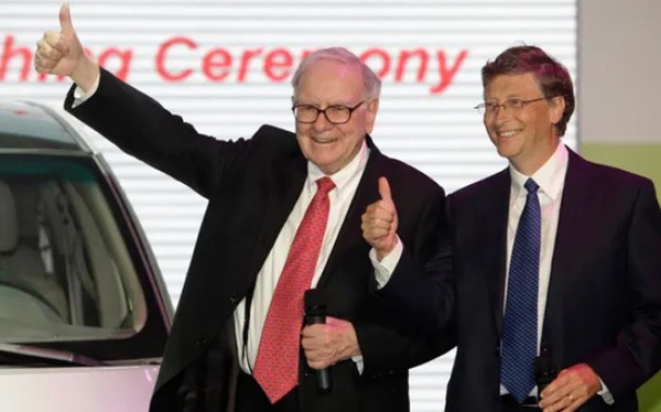 Tỷ phú Bill Gates bắt tay Warren Buffett xây dựng lò phản ứng hạt nhân kiểu mới