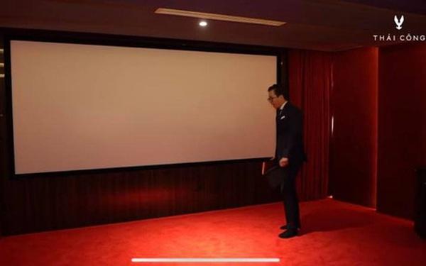 """Thái Công thiết kế phòng chiếu phim tại gia siêu hoành tráng, nhưng có chi tiết khiến người sành sỏi thấy """"ngứa ngáy"""" vô cùng"""