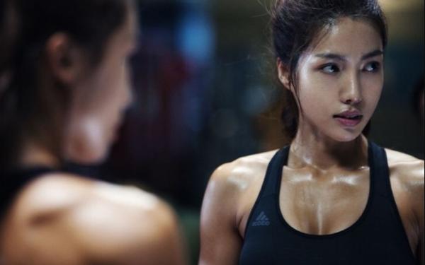 Hàn Quốc cho mở phòng gym nhưng cấm người tập 'văng' mồ hôi, chỉ được nghe nhạc nhẹ
