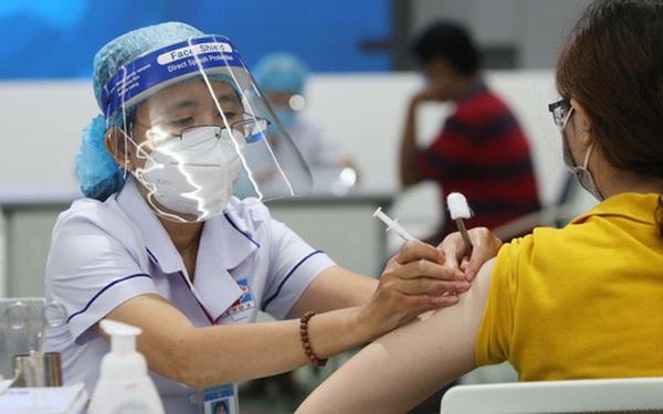 Bộ Y tế: Ưu tiên tiêm vắc xin Pfizer cho người đã tiêm mũi 1 AstraZeneca