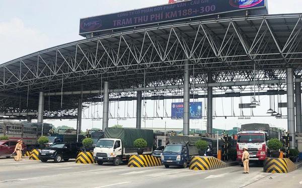 Hà Nội đóng cửa ngõ, cấm xe cá nhân ra vào thành phố