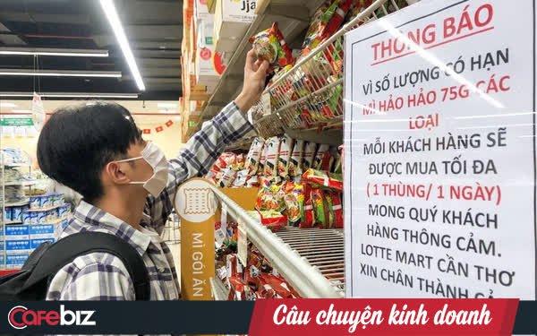 Người Việt ăn nhiều mì gói thứ 2 thế giới trong thời Covid, Masan, Acecook, Vifon... hưởng lợi ra sao?