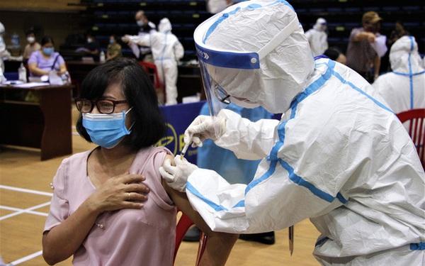Đà Nẵng kêu gọi y bác sĩ về hưu hỗ trợ chiến dịch tiêm vắc xin phòng Covid-19 cho người dân