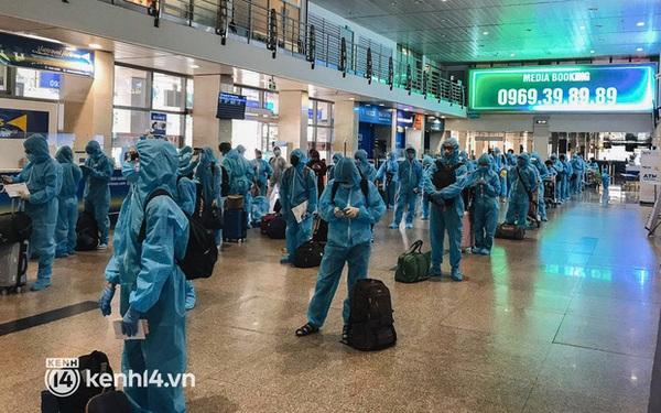 Chuyến bay miễn phí thứ 4 cất cánh rời TP.HCM, đã có 763 người Bình Định về quê tránh dịch