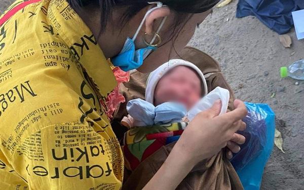 Thương cháu bé 9 ngày tuổi cùng bố mẹ vượt hơn 1.000km từ Bình Dương về quê tránh dịch trên chiếc xe máy cà tàng