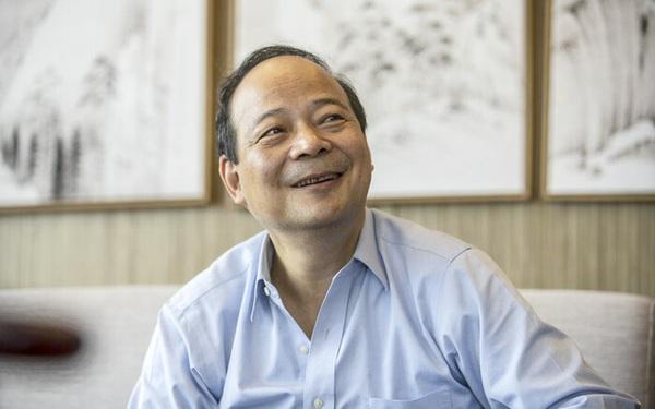 Chân dung tiến sỹ vật lý giàu hơn cả Jack Ma: Là người tạo ra loại pin có tuổi thọ 16 năm, chạy được 2 triệu km, cả Elon Musk và Tim Cook đều phải nhờ vả