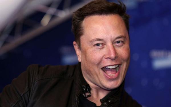 Đi làm không lương kiểu Elon Musk: Thế chấp cổ phiếu Tesla để vay tiền ngân hàng chi tiêu, ở nhà thuê rộng 37 m2 và vẫn là người giàu nhất nhì hành tinh