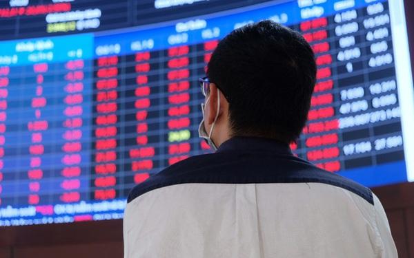 Thanh khoản thị trường chứng khoán Việt Nam lập kỷ lục hơn 38.000 tỷ đồng trong ngày nhà đầu tư mạnh tay cơ cấu danh mục