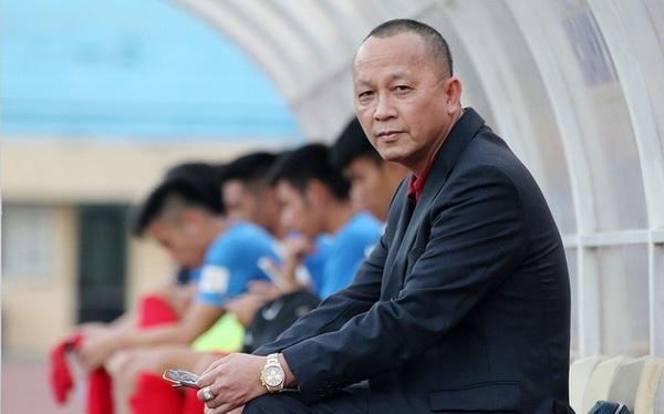 """Hùng """"xoăn"""" - Ông bầu CLB Than Quảng Ninh vừa giải thể: Đại gia tiếng tăm ngành khoáng sản - xăng dầu, nhưng công ty thua lỗ triền miên"""