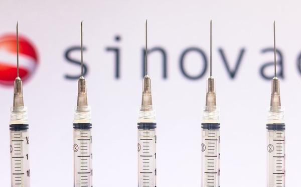 Sinovac của Trung Quốc vượt Pfizer, trở thành nhà sản xuất vaccine Covid-19 nhiều nhất thế giới