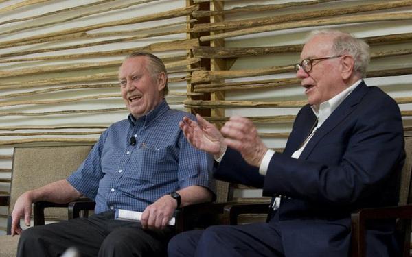 Chân dung 'người anh hùng' truyền cảm hứng cho Bill Gates, Warren Buffett: Vị đại gia không nhà lầu, xe sang, cho đi hết 8 tỷ USD tài sản để làm từ thiện